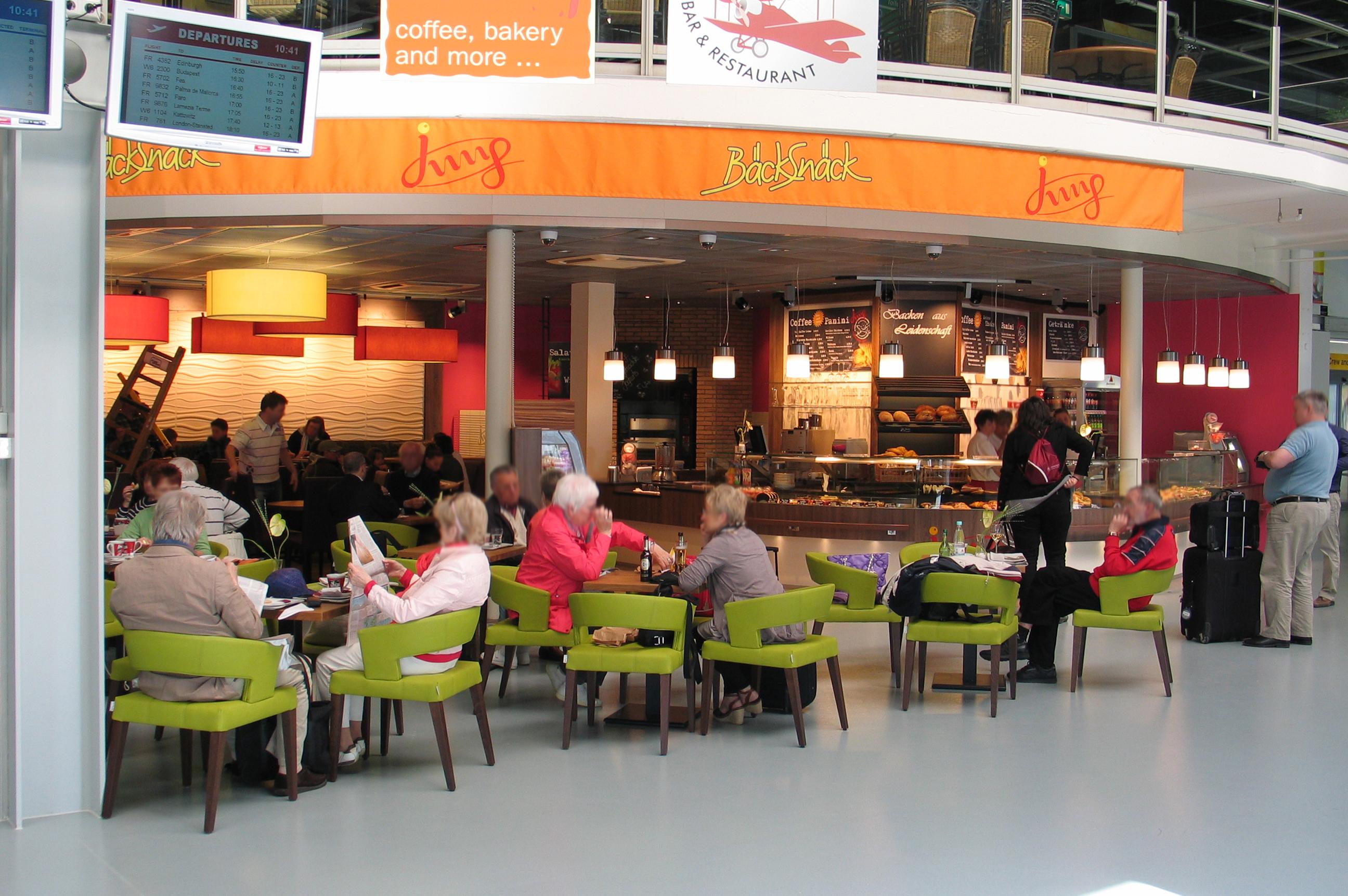 3D Wandpaneele - Bäckerei Jung - Flughafen Frankfurt Hahn - Deckenpaneele - 3D Tapeten